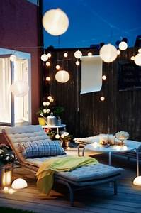 Lichterkette Balkon Solar : 33 awesome small terrace design ideas digsdigs ~ Orissabook.com Haus und Dekorationen