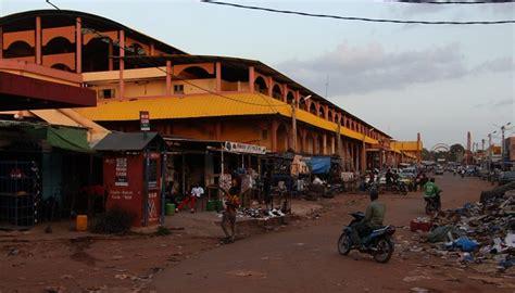 bureau de transfert d argent bamako le braquage d un bureau de transfert d argent aux halles de bamako fait un mort info mali