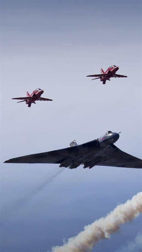 wallpaper vulcan bomber red arrows royal air force
