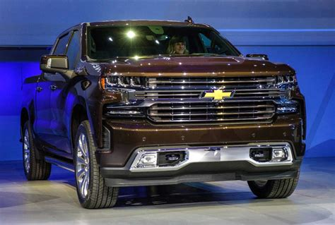 Chevrolet 2019 : 2019 Chevy Silverado Introduced With New Diesel Engine
