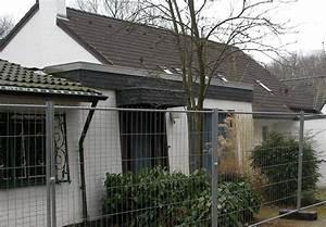 Haus Kaufen In Solingen : haus kaufen in solingen haus mit eisen zaun umgibt house design outdoor decor outdoor ~ A.2002-acura-tl-radio.info Haus und Dekorationen