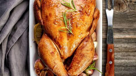 cuisiner le chapon au four poulet dinde chapon canard oie tout pour réussir la