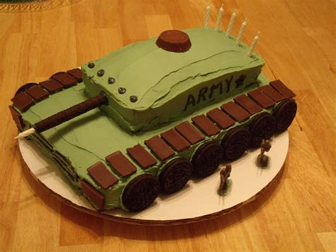 Army style cake with walkie talkie grenade compass bullets dog tags and knife army style cake with walkie talkie, grenade, compass, bullets. Army tank cake by me! | Koeke | Pinterest | Tank Cake ...