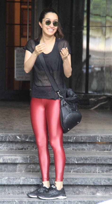 shraddha kapoor   red leggings leaves  gym  bandra