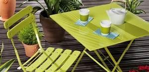 Salon De Jardin Couleur : salon de jardin couleur table salon jardin maisonjoffrois ~ Teatrodelosmanantiales.com Idées de Décoration