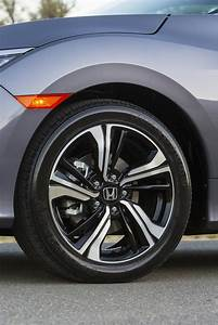 2016 Honda Civic Grey Alloy Wheel