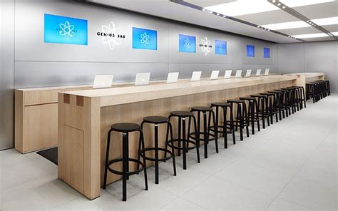 Is Apple's Genius Bar The Future Of The Corporate Help
