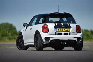 Mini Cooper S Jcw : official premier uk exclusive mini cooper jcw challenge motoringfile ~ Medecine-chirurgie-esthetiques.com Avis de Voitures