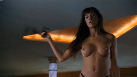 Demi Moore Striptease Dobler96