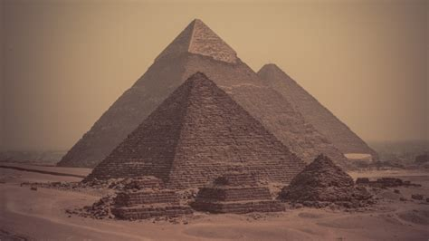 L Interno Delle Piramidi I Ricercatori Confermano Due Anomalie Nelle Piramidi D
