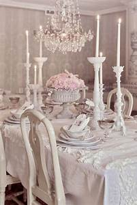 Déco Shabby Chic Romantique : shabby chic dining room ideas awesome tables chairs and chandeliers for your inspiration ~ Dallasstarsshop.com Idées de Décoration