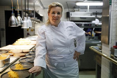 les chefs de cuisine francais hélène darroze élue meilleure femme chef du monde quot un coup de projecteur sur les femmes et la