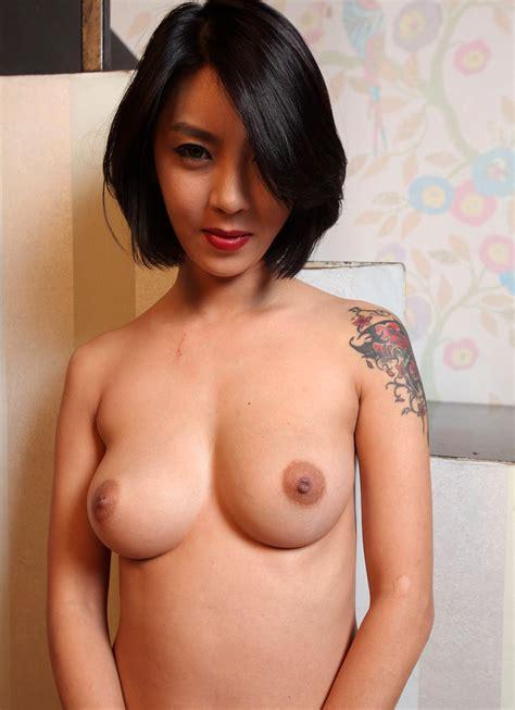 nette und schone nude busty madchen