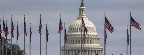 Diviem ASV kongresmeņiem diagnosticēta inficēšanās ar ...