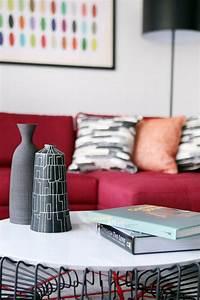 Deco salon en couleur rouge quelques idees magnifiques for Tapis de gym avec canape vega