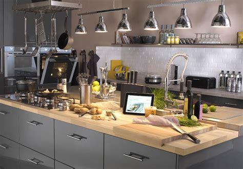 quel cuisine choisir cuisine quel matériau choisir pour le plan de travail