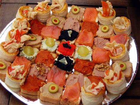 canape z menjar i gaudir canapès variats canapes variados