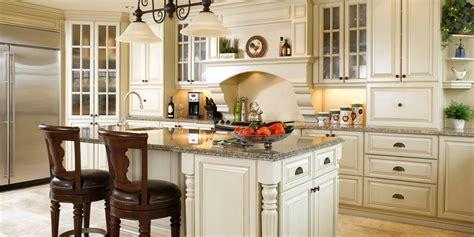 atouts cuisines atouts architecturaux cuisine bois merisier granit