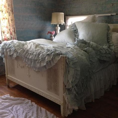 shabby chic by ashwell 17 best images about rachel ashwell on pinterest cabbage roses shabby chic and bed runner