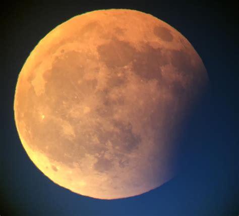 Całkowite zaćmienie księżyca na węgrzech 3.03.2007 r. Zaćmienie Księżyca