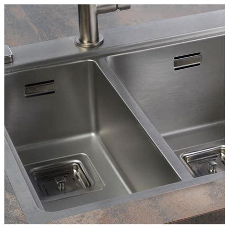reginox kitchen sinks reginox nevada 18 30 1 5 bowl kitchen sink sinks taps 1820