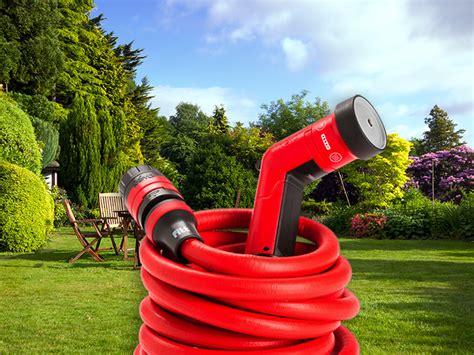 come irrigare un giardino tubo da giardino estensibile yoyo per irrigare velocemente