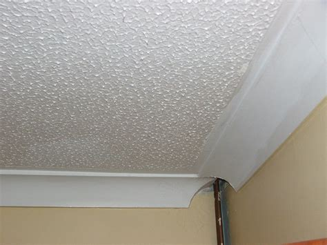 plastering   horrible splat effect textured ceiling