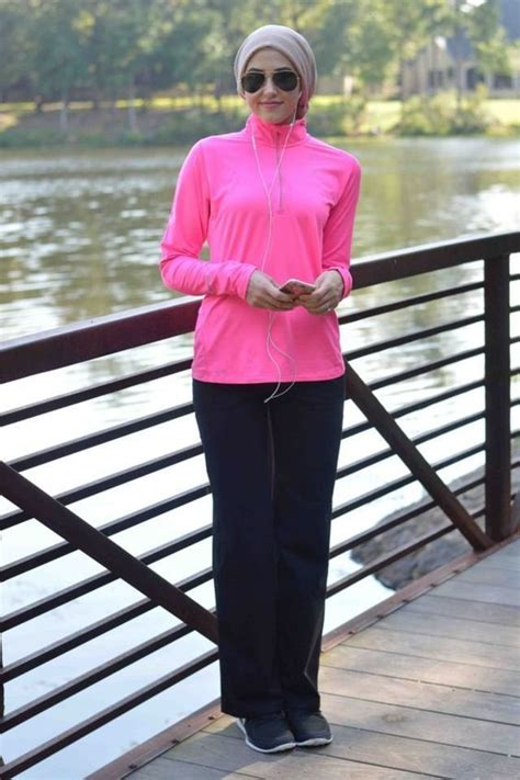 12 Outfit Ideas That Hijabis Can Wear to the Gym