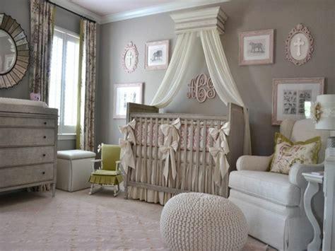 deco design chambre bebe ciel de lit bébé 25 idée de déco pour la chambre bébé