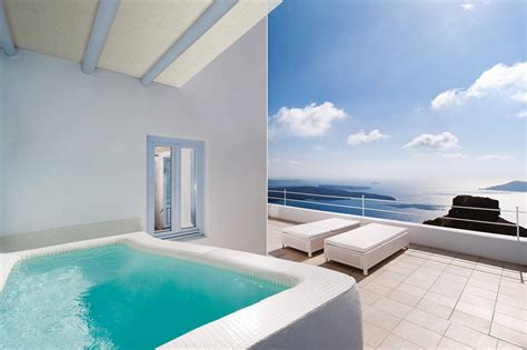astra suite  outdoor jacuzzi astra suites santorini