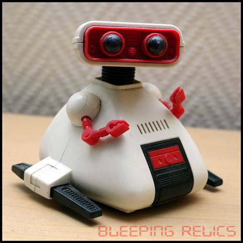 tomy robot vintage electronic games chronicles bleeping
