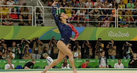 aly raisman floor routine olympics 2016 aly raisman s flawless floor exercise at