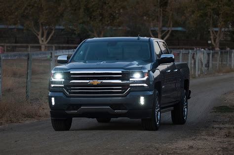 chevy vehicles 2018 chevrolet 2018 chevy silverado 2500hd lifted 2018 chevy