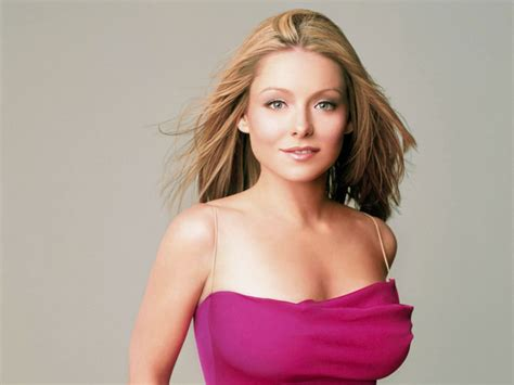 kelly ripa net worth annual salary   husband
