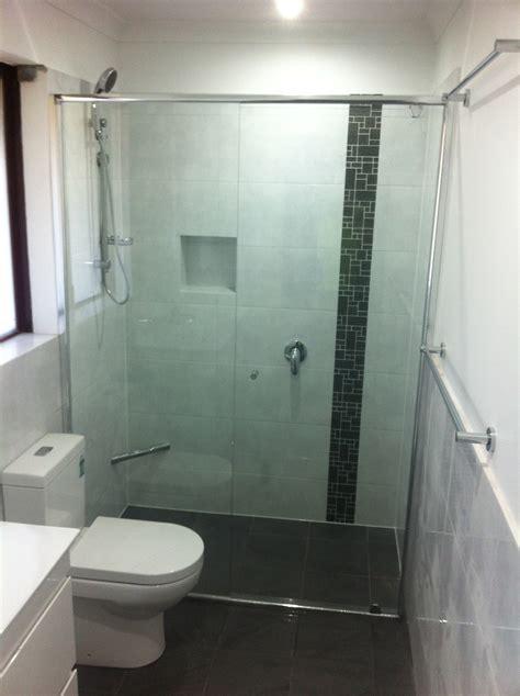 Difference Between Frameless And Semi Frameless Shower Doors
