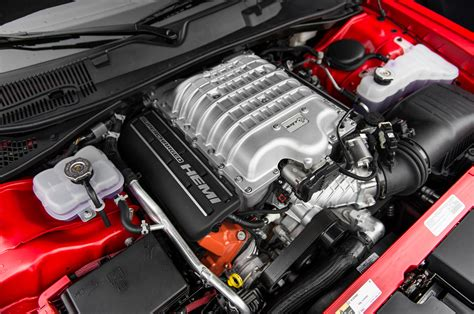 2015 Dodge Challenger Srt Hellcat Engine 02 Photo 43