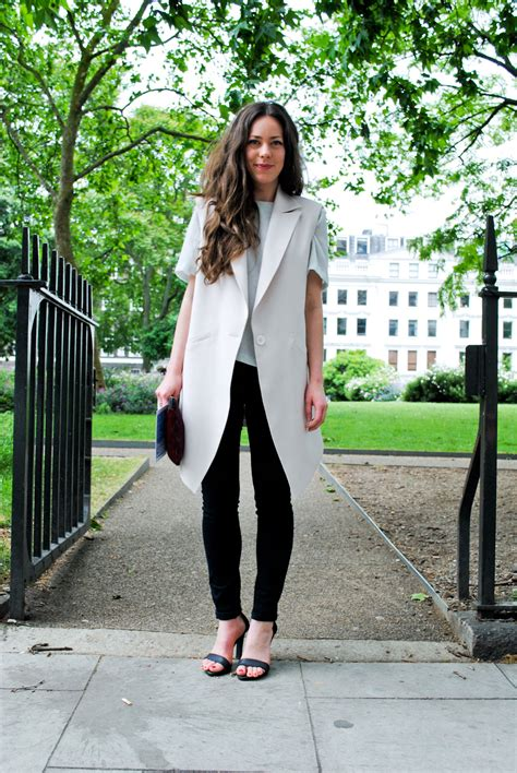 7 Minimalist Outfit Ideas To Wear This Summer | Aelida