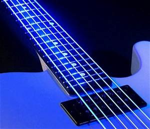 DR Neon Hi Def White Luminescent Strings Guitarsite