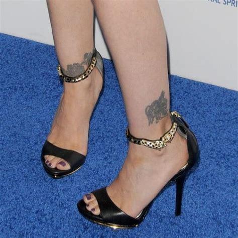 Tatuajes en los tobillos para mujeres: recopilación de diseños
