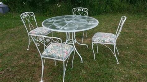Vintage Wrought Iron Patio Furniture by Vintage Wrought Iron Patio Table And Chairs Woodard