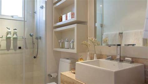 bathrooms designs 2013 banheiro pequeno nichos e acabamentos claros kzablog