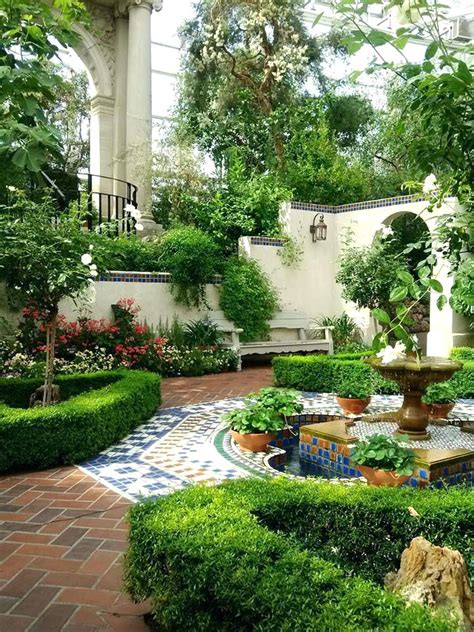 Courtyard Garden Mediterranean House Plans Gardens Designs