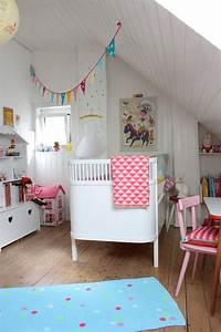Schöne Betten Für Mädchen : m dchenzimmer update kinderzimmer ~ Frokenaadalensverden.com Haus und Dekorationen