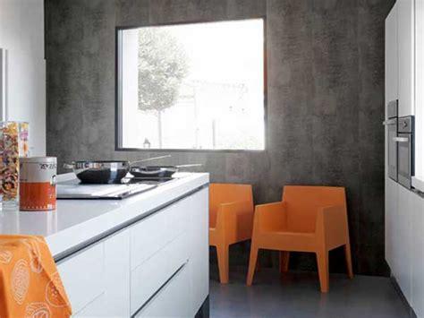 pvc cuisine lambris pvc aspect beton cire dans cuisine ouverte
