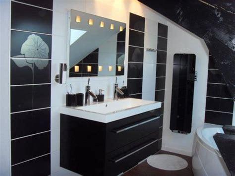 salle de bain faience noir et blanc chaios