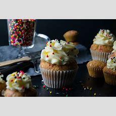 Ein Cupcake Für Gute Laune { Funfetti Cupcakes } Saras