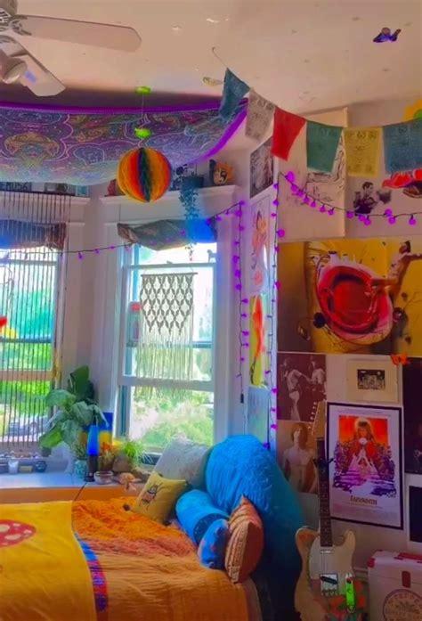 pin  abbbigailll hillll  room retro room retro