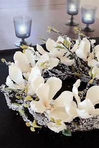 Zweige Weiß Ansprühen : dekokranz magnolie zweige eis wei creme braun winter la cassetta ~ Orissabook.com Haus und Dekorationen