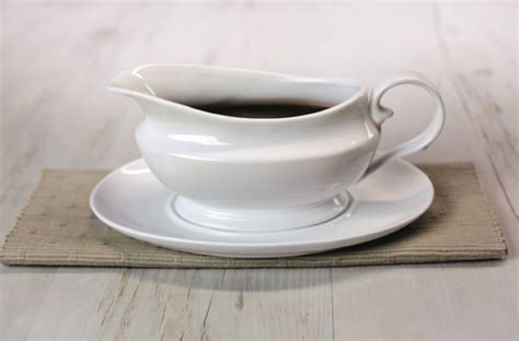 Gravy Boat Saucer by Traditional Gravy Boat With Saucer