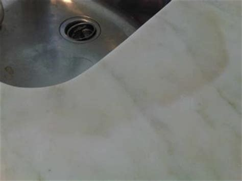 dark stain  marble countertop
